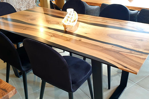 Black Dream Table mit Epoxidharz