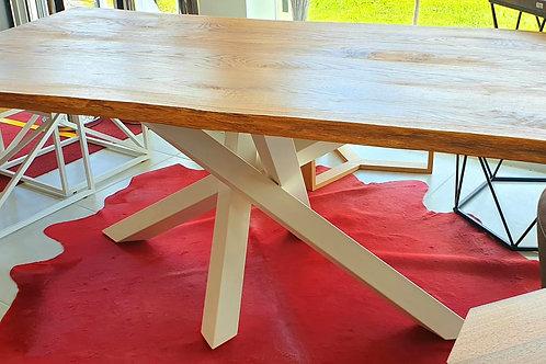 White elegant Table