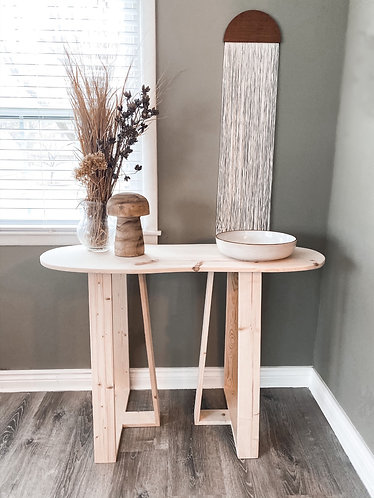 Pebble Entry Table