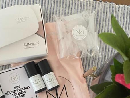Liisa Pärnpuu katsetab Nails by Nature tooteid