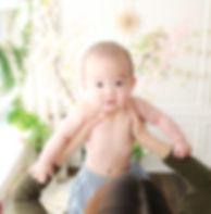 赤ちゃん ニューボーン kids baby 撮影 写真館 スタジオ おしゃれ ニューボーン 新生児 マタニティ 七五三 家族 記念 誕生日 お宮参り family てんとん 写真 studio 子供 キッズ