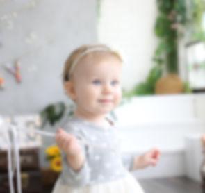 赤ちゃん kids baby 撮影 写真館 スタジオ おしゃれ ニューボーン 新生児 マタニティ 七五三 家族 記念 誕生日 お宮参り family てんとん 写真 studio 子供 キッズ