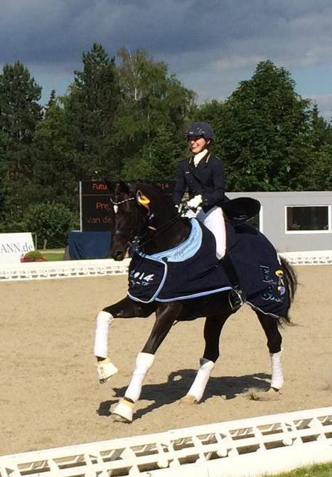 First Wish winning the Young Rider Small Final at Hagen Future Champions