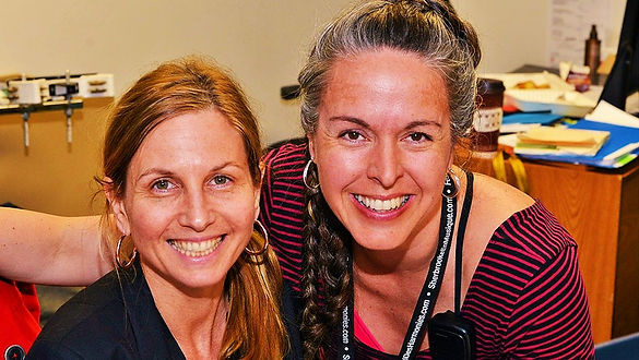 Marylène Roy et Claudine Roussel sur le terrain
