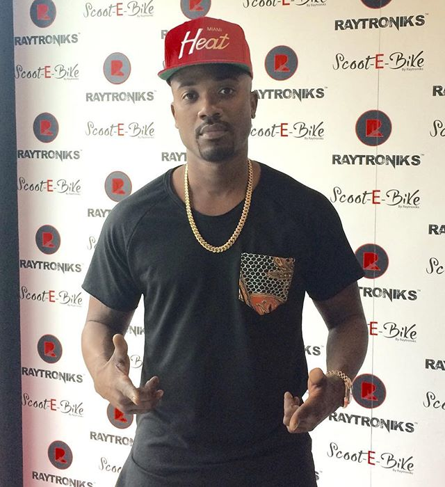 _rayj supporting the line wearing an Oliventa Paisley Pocket T-shirt at his Scoot-E-Bike store on Me