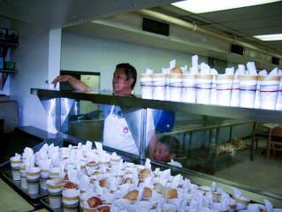 50 000 comidas servidas, 18 aniversario al servicio de la Misión del Rescate de Denver. 18 y 19 de m