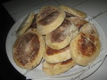 Portuguese Muffins with Raisins