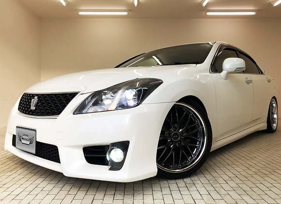 Toyota Crown Athlete Series 2.5 Navi Package