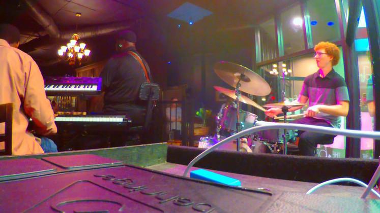 Calvin Edwards Trio - Sunny (Zoom Q2n Drum Cam)
