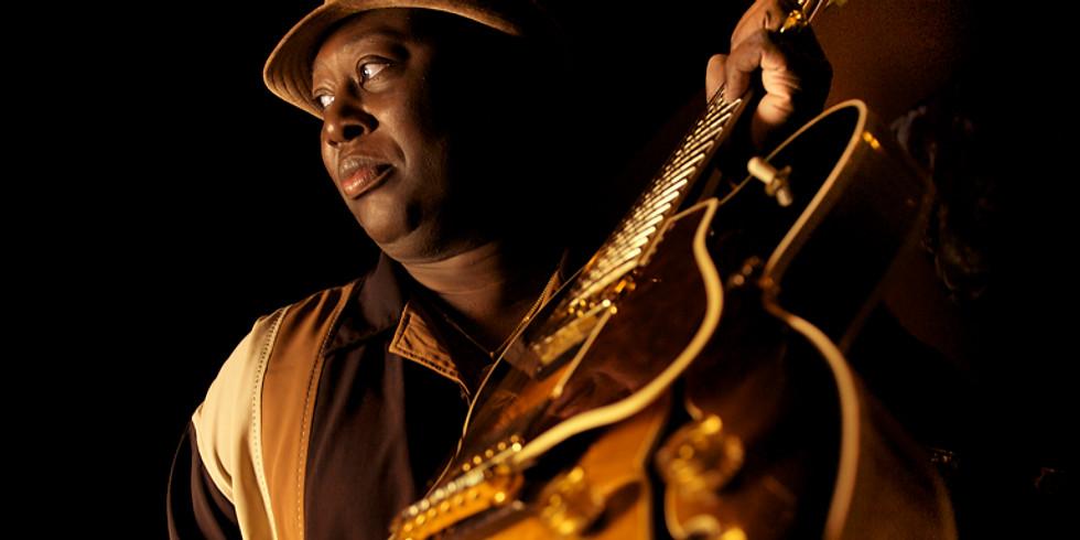 Calvin Edwards Trio @ Izzi's BBQ
