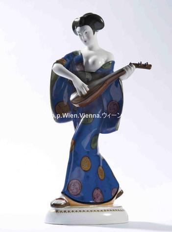 Figur einer Laute spielenden Japanerin