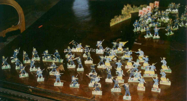 Spielzeugsoldaten des japanischen und chinesischen Heeres