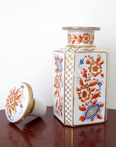 Teebehälter zum Tee-Service