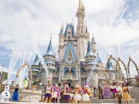 Magic Kingdom: caminho até o castelo símbolo da Disney