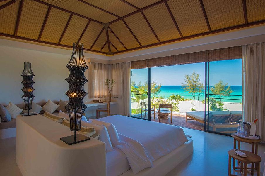 3 bedroom ocean view pool villa_04.jpg