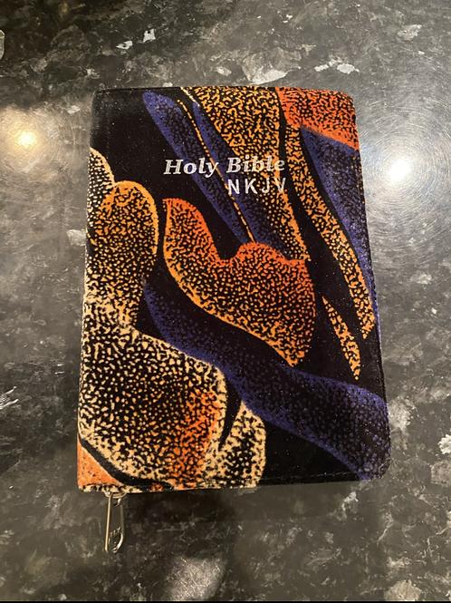 NKJV English Bible ( velvet cover)