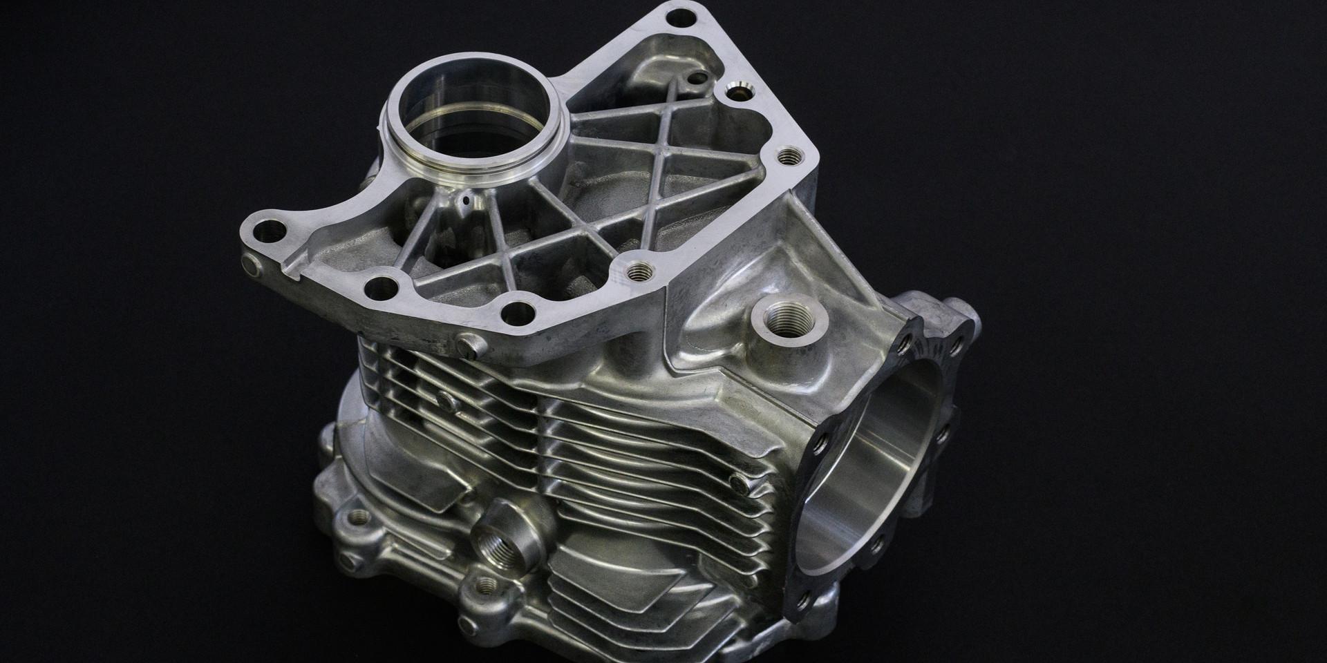 aluminum die cast 8699.jpg