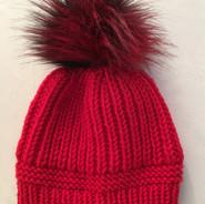 Mütze rot mit Bommel