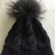 Mütze mit Bommel