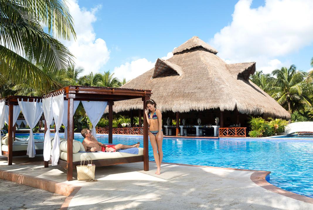 2 Getaway Travel El Dorado Royale 02.jpg