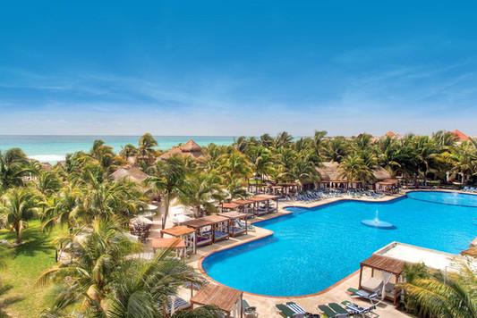 2 Getaway Travel El Dorado Royale 10.jpg