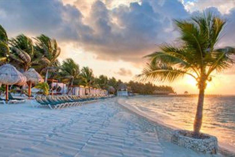 El Dorado Seaside Suites beach