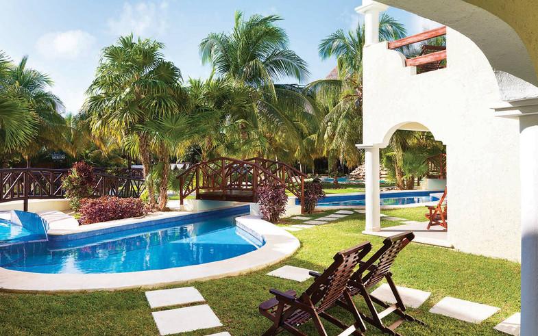 2 Getaway Travel El Dorado Royale 08.jpg