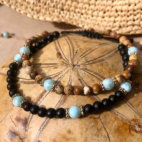 Bracelet en Onyx mat ou Jaspe et 4 perles de Larimar