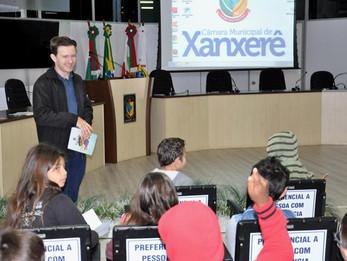 Adrianinho participa do projeto Câmara Jovem