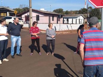 Vereadores do PT acompanham demandas de moradores do Bairro Castelo Branco