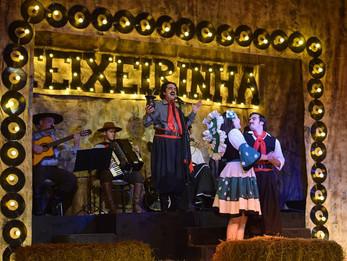 Abertura do I Festival de Teatro de Xanxerê teve grande participação