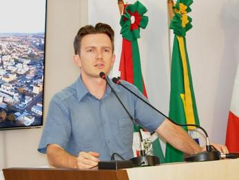 Adrianinho se solidariza com Educação Especial em SC