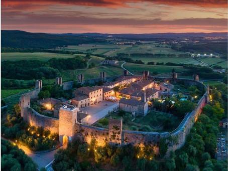 מונטרג׳יוני, העיירה-טירה מימי הביניים באיטליה