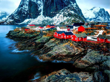 בקתות הדייגים במפרצי  Reine, Lofoten