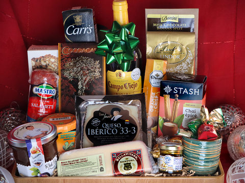 The Sultan's Holiday Basket #4