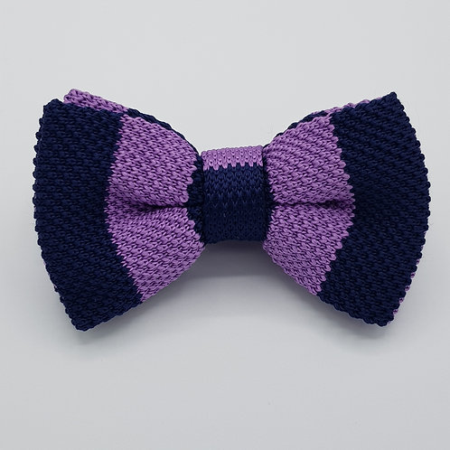 Knitted bowtie
