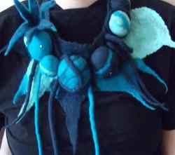 blue neckpiece (Medium)