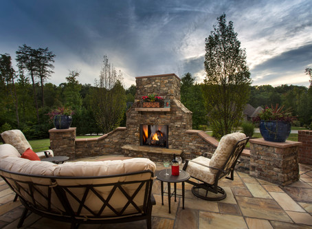 Designing an Outdoor Entertainment Space with an Outdoor Fireplace