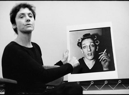 DIANE ARBUS - A fotógrafa que ajudou a redefinir a fotografia documental a partir dos anos 60.
