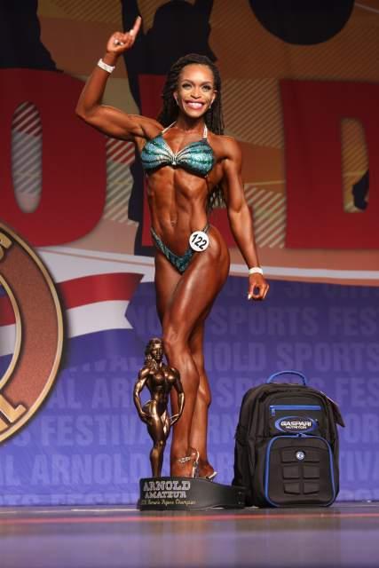 Figure Overall Winner Lola Montez #122