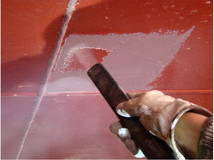 Décapage cryogénique sur coque de bateau
