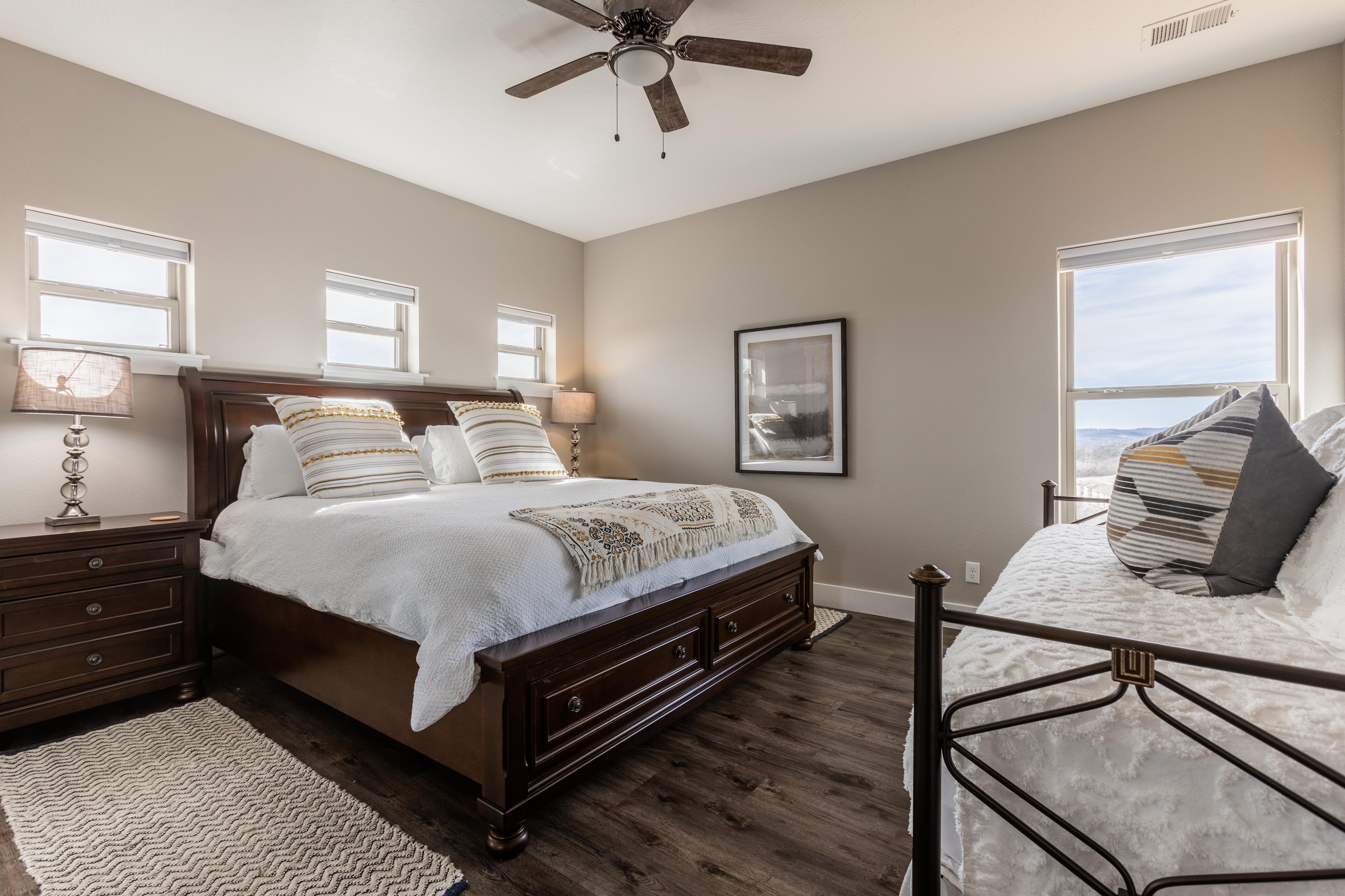 Chateau Cove - 12 Bedroom, Branson