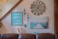 Live Love Lake Lodge - Branson