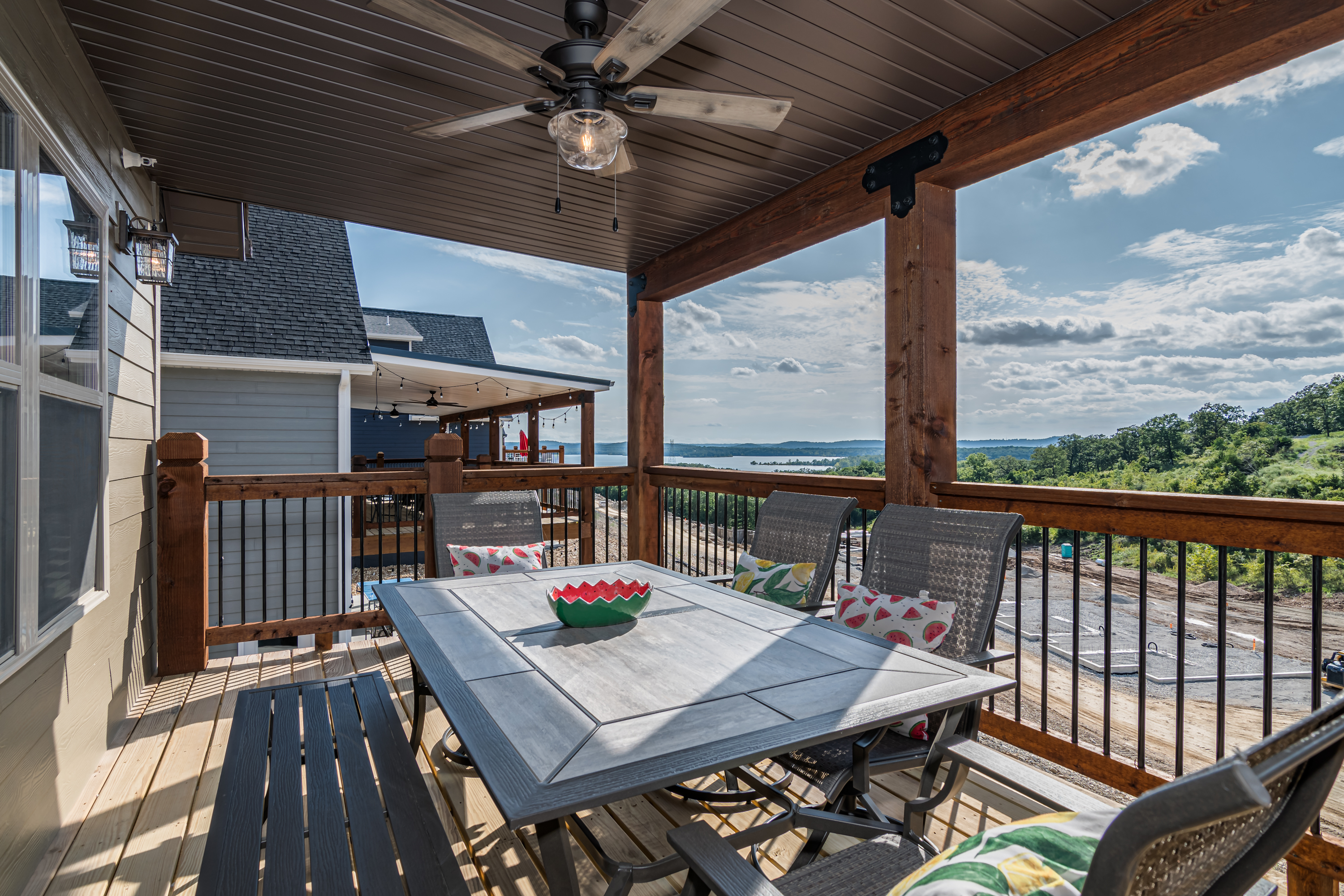 Noni's Lakeview Lodge - Branson