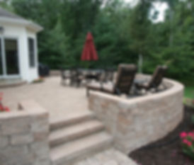 Patio with retaining wall, sitting wall and steps