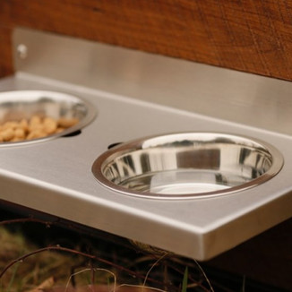 ACCESSORIES  Custom water bowls and leash holders will finish off your set.