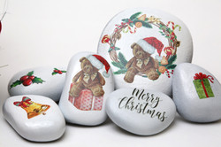 Teddy Christmas - Stozo Decorated pebbles for christmas decorations