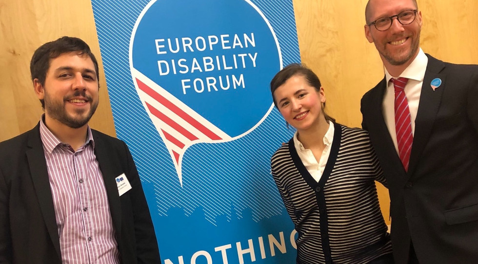 With Microsoft Government Affairs Manager - Accessibility, Sustainability and Online Safety  EU, and our EDF Policy Coordinator during the event on Artificial Intelligence and  the potential of emerging technologies for persons with disabilities - Wien, Austria - November 2018 - ☝ ⏎
