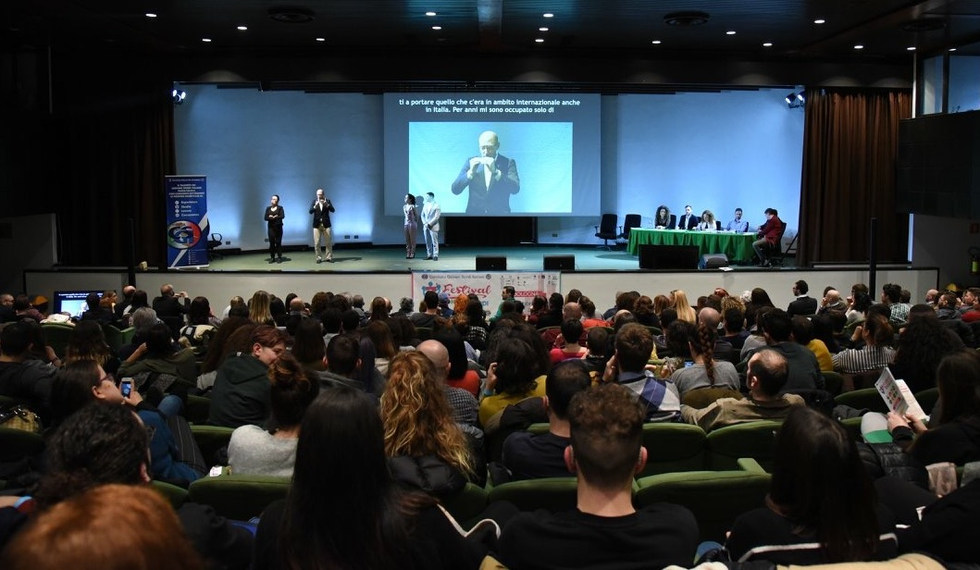 Presented at the Italian Committee Deaf Youth Festival (CGSI) - Bologna, Italy - February 2018 - ☝ ⏎