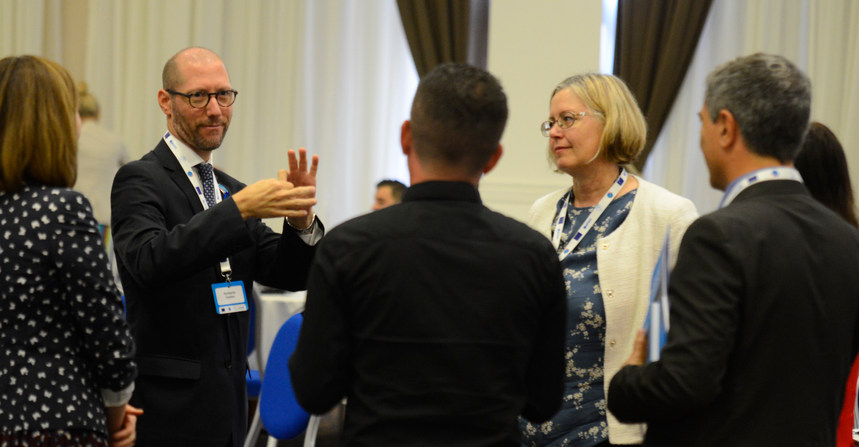 Conversation with various representatives from Western Balkans and Turkey during UNICEF Regional Meeting in collaboration with the EU and UNICEF - Skopje, Macedonia - September 2018 - ☝ ⏎